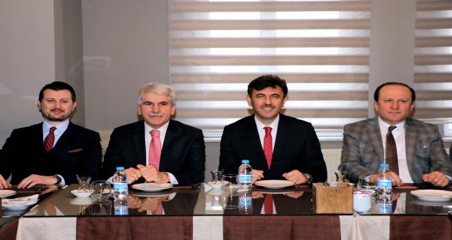 AK Parti belediye başkan adayları gazetecilerle buluştu