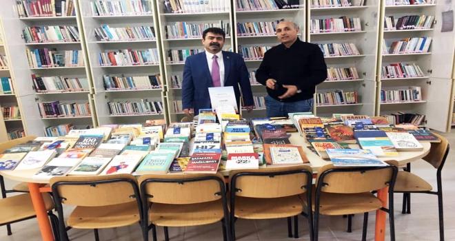 Bahadın Belediye Kütüphanesine kitap desteği