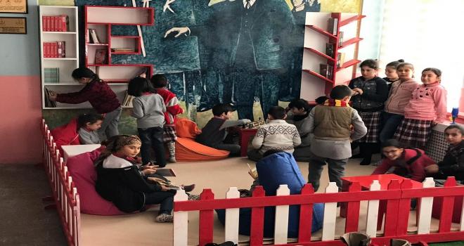 Belediye başkanından okula okuma odası desteği