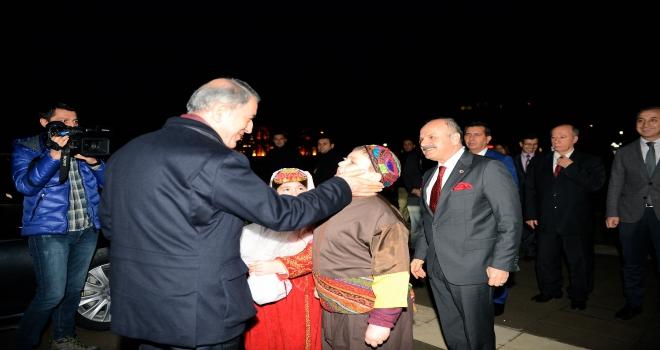 Milli Savunma Bakanı Hulusi Akar, TEIyi ziyaret etti