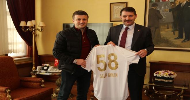 Sivasspor Teknik Direktörü Keleşten Vali Ayhana ziyaret