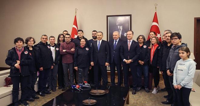Türkiyenin Antarktikada bilimsel çalışma yapacak ekibi yola çıktı