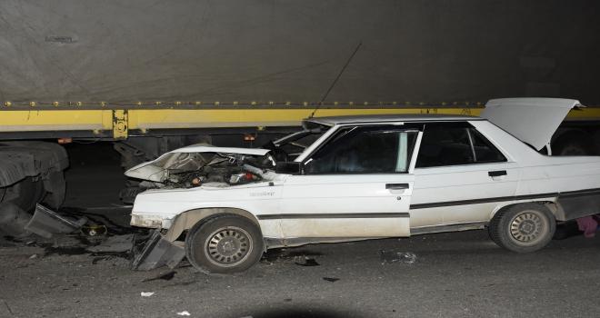 Kırıkkalede otomobil ile tır çarpıştı: 4 yaralı