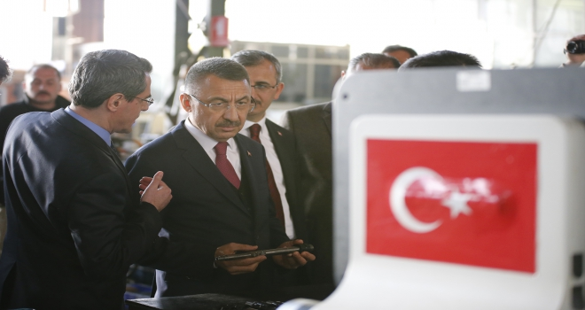 Cumhurbaşkanı Yardımcısı Oktay, milli piyade tüfeği ile atış yaptı