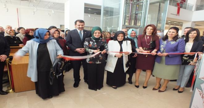 Sivas Kadın Başlıkları ve Gelenekli Sanatlar sergisi açıldı