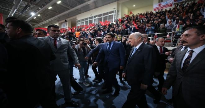 Türk vatanını hiçbir zalime teslim etmeyiz