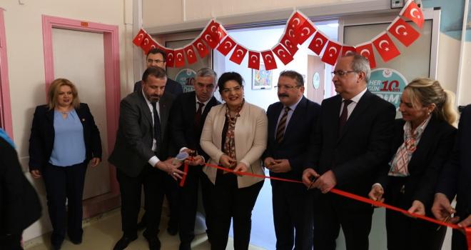 Türkiyenin ilk çocuk obezite merkezi İzmirde açıldı