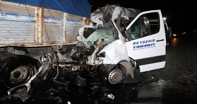 GÜNCELLEME  Konyada trafik kazası: 2 ölü, 11 yaralı