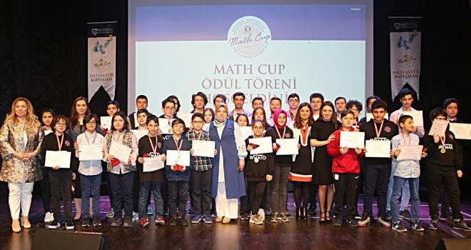 Modern Eğitim Koleji Math Cup ödül töreni