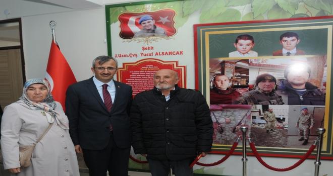 Bahşılı Şehit Yusuf Alsancak Ortaokulunda şehit köşesi açıldı
