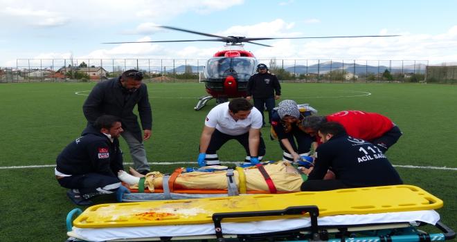Hava ambulansı, ayağını çapa motoruna kaptıran kişi için havalandı