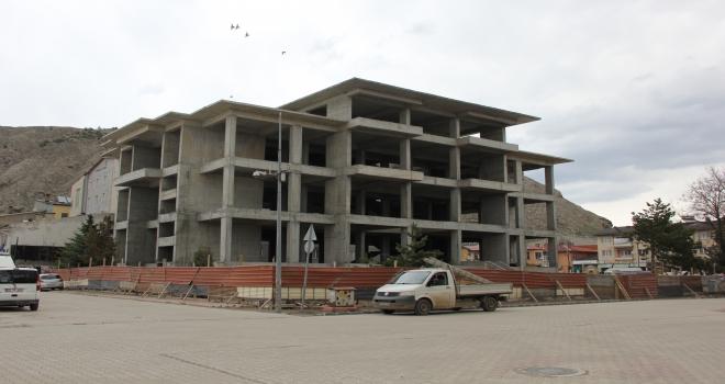 Zara Belediye Başkanı Çelik, şantiyeleri inceledi