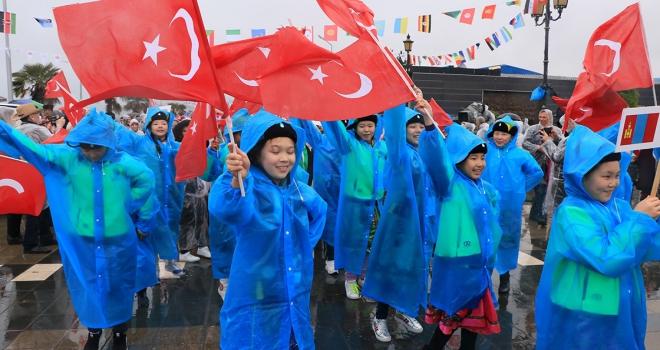 41. Uluslararası 23 Nisan Çocuk Şenliği korteji yapıldı