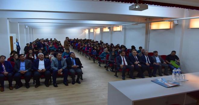 Rektör Karakaya Malatyada öğrencilerle buluştu