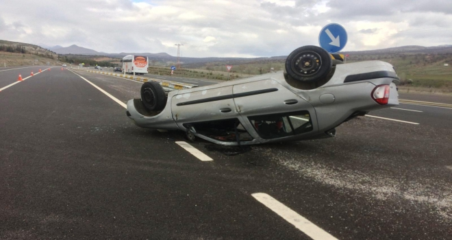 Konyada otomobil devrildi: 4 yaralı