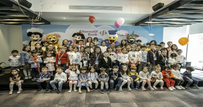 Alternatif Bank 23 Nisanı çalışanlarının çocuklarıyla kutladı