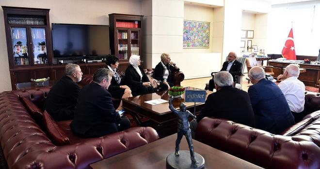 Kılıçdaroğlu, Nesrin Nas ve beraberindeki heyet ile bir araya geldi