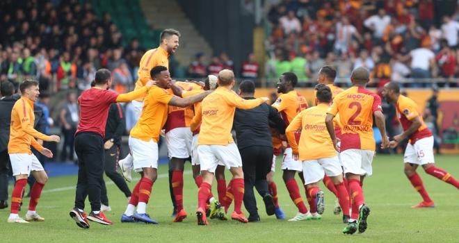 Galatasaray zorlu deplasmandan 3 puanla döndü