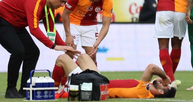 Galatasaray Kulübü Başkanı Cengiz: Emrenin kaval kemiğinde bir kırık var