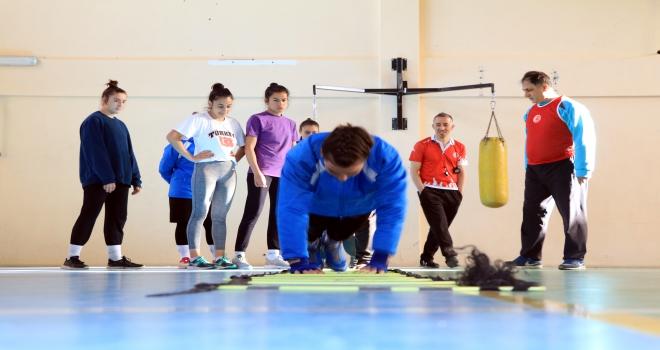 Sporcularımız Romanyayı sallayacak