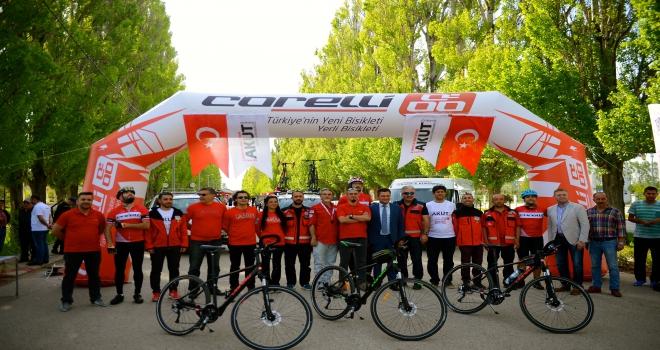 AKUTlu bisikletçiler Samsun yolunda