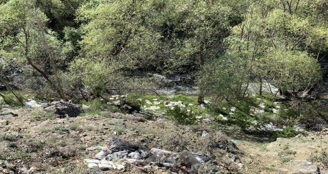 Kaymakamdan mesire alanlarındaki kirliliğe tepki