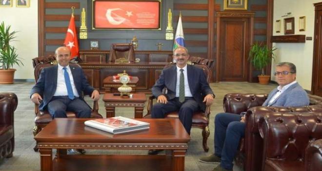 Başkan Ekicioğludan Rektör Karakayaya ziyaret