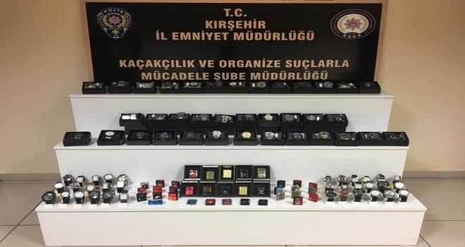 Kırşehirde 225 kaçak saat ve çakmak ele geçirildi