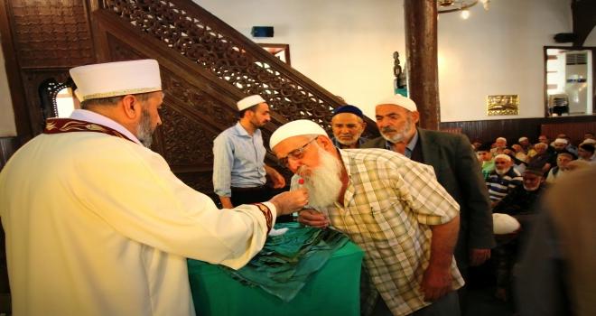 Seydişehirde Sakalı Şerif arife günü erkeklerin ziyaretine açıldı