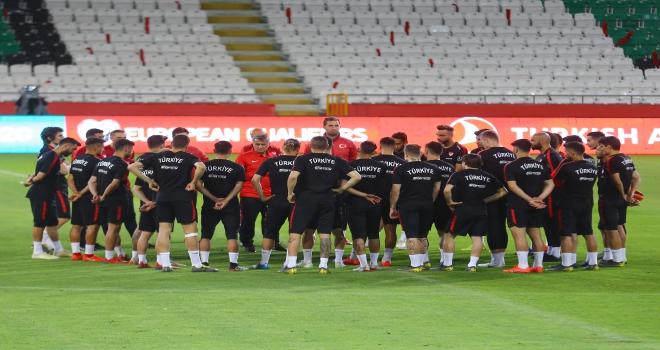 Türkiye, Fransa maçının hazırlıklarını tamamladı