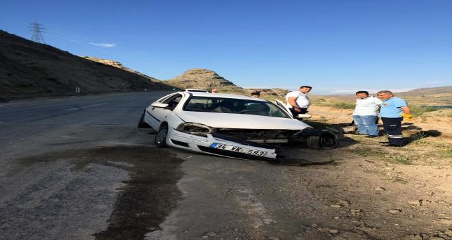 Suşehrinde trafik kazası: 2 yaralı