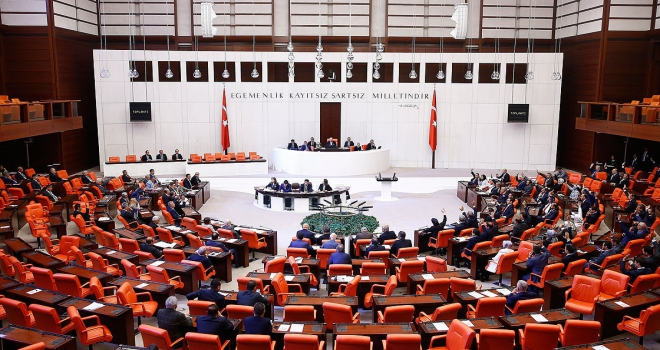 Mecliste yeni askerlik sisteminin görüşmelerine başlandı