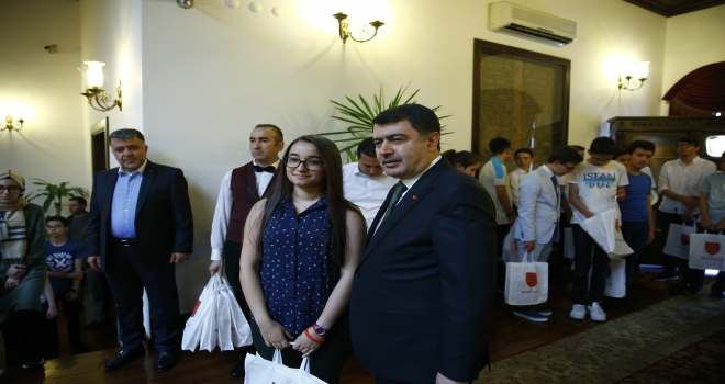 Ankara Valisi Şahin LGS sınavında tam puan alan öğrencileri kabul etti