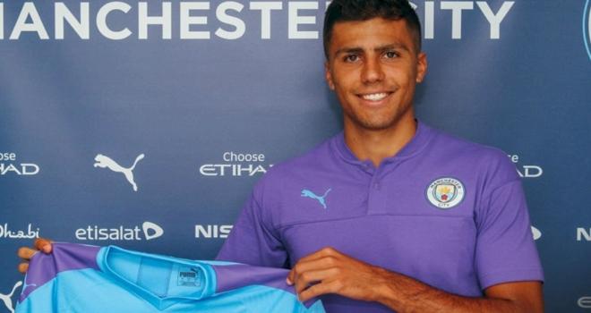 Manchester City, Rodrigoyu transfer etti