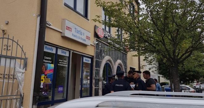 Almanyada 3 camiye bomba ihbarı
