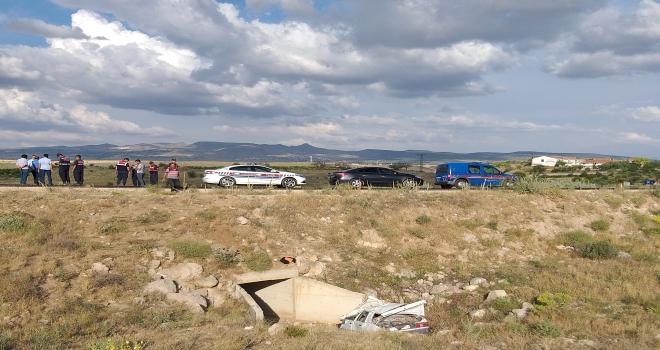 Aksarayda otomobil uçuruma devrildi: 1 ölü
