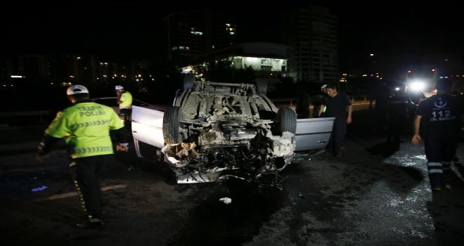 Başkentte hafif ticari araç tıra çarptı: 1 ölü, 2 yaralı