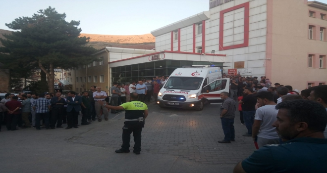 Kayseride minibüs ile kamyonet çarpıştı: 18 yaralı