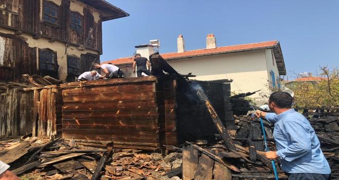 Yangına müdahale eden 6 kişi dumandan etkilendi