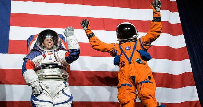NASA yeni nesil uzay giysisi tasarımlarını tanıttı