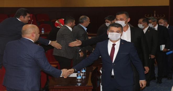 Belediye Meclis toplantısında maske takarak lösemiye dikkat çektiler