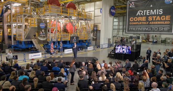 NASA Ay görevinde kullanılacak roket platformunu görücüye çıkardı