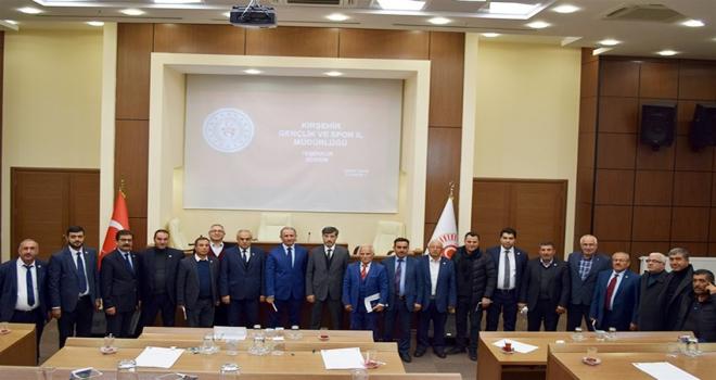 Kırşehir İl Genel Meclis üyeleri, gençlik ve spor projeleri hakkında bilgilendirildi
