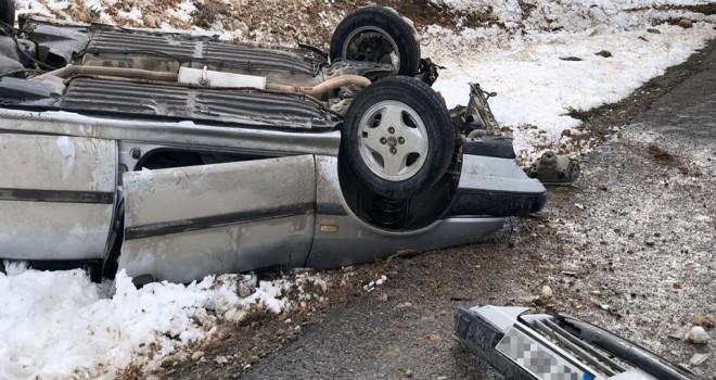 Yunak'ta trafik kazası : 2 yaralı