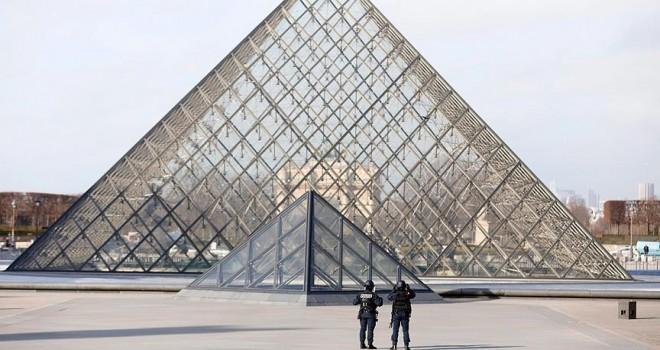 Türk fotoğrafçılardan Louvre Müzesi'nde 'İstanbul Güzeli' sergisi