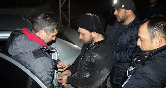 Hırsızları 15 kilometretakip edip polise yakalattı