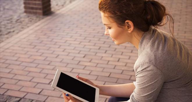'13-24 yaş arası bireyler dijital bağımlılık kıskacında'