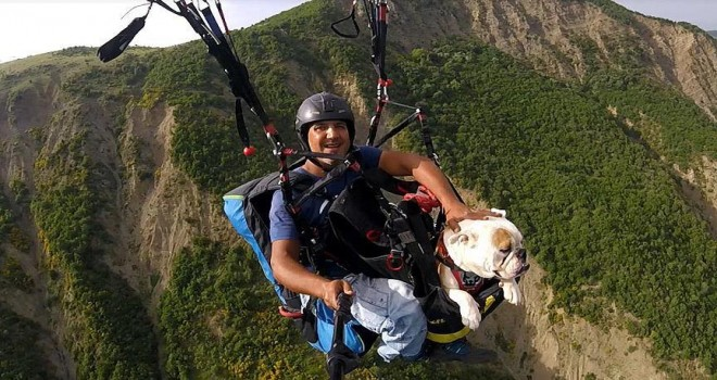Köpeğiyle beraber gökyüzüyle buluştu