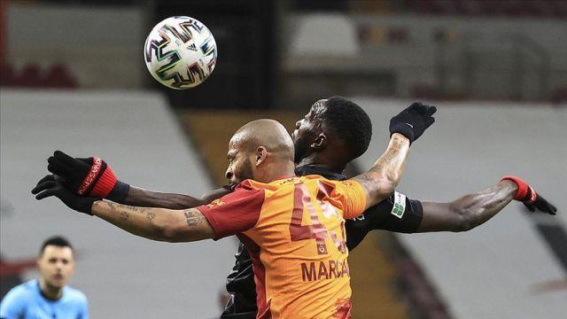 Galatasaray sahasında Sivasspor'a takıldı liderlikten oldu