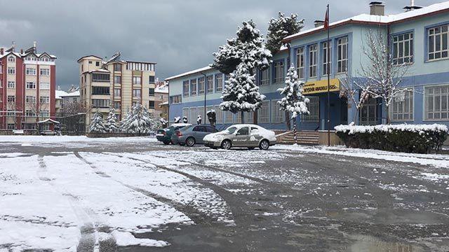 Konya'da 8 ilçede eğitime kar engeli